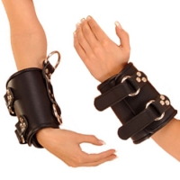 ledapol 8019 ein paar leder handfesseln
